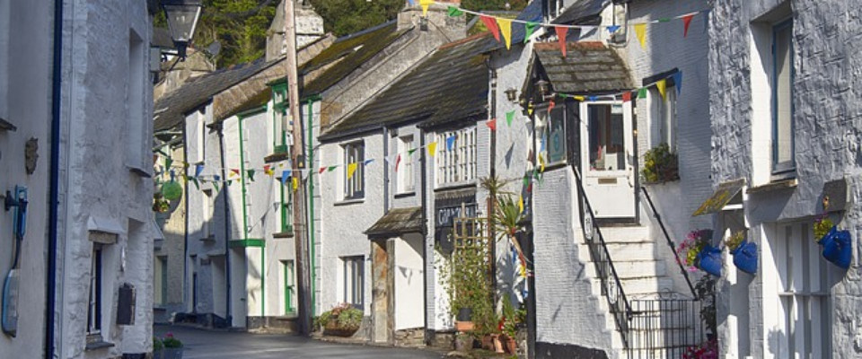 Can I put an offer on a house before selling mine in Cornwall?